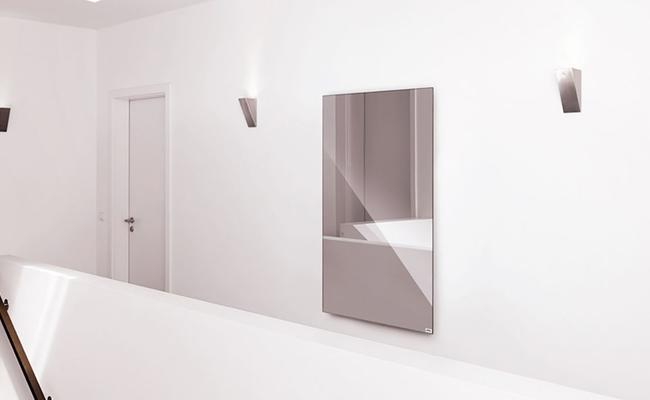 Eine Spiegelheizung in einem Aufgang